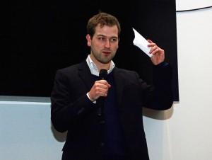 Alexander Schröder moderiert