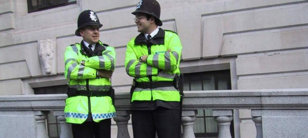 relaxed-policemen-1253689-1280x960
